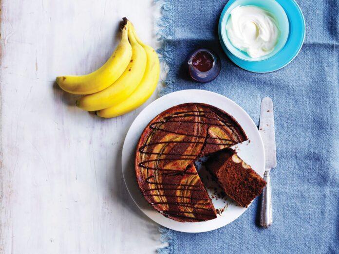 Upside-down-banana-chocolate-cake