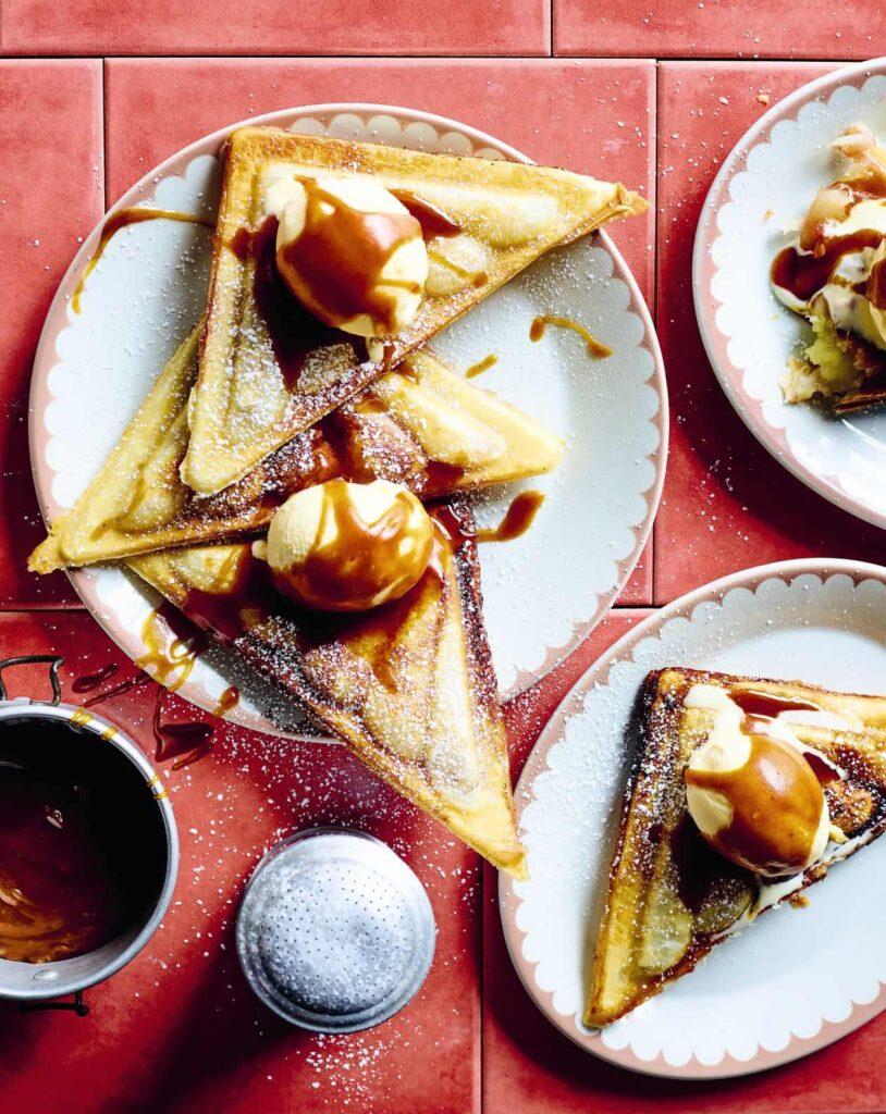 Jaffle apple pies